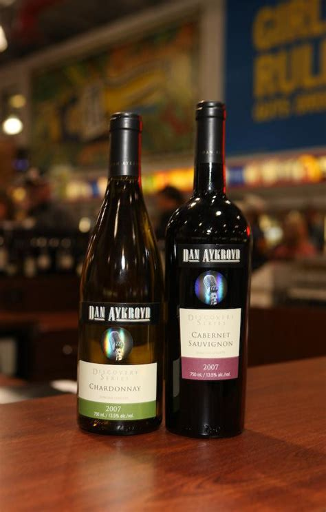 Dan Aykroyd Is Producing His Own Wines by Dan Aykroyd Bottle Signing At S Discount Liquor
