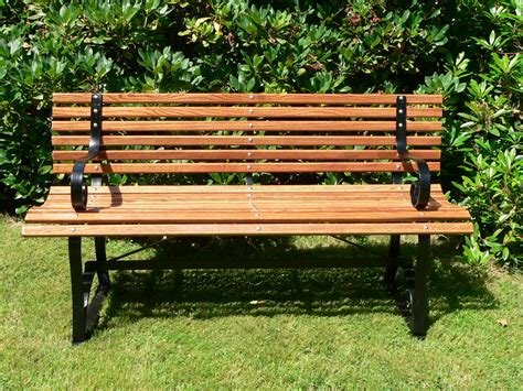 outdoor benches file garden bench 001 jpg simple english wikipedia the