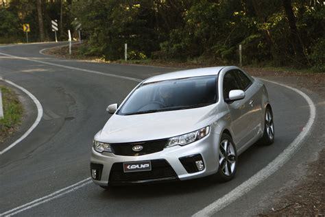 2010 kia cerato koup pictures information and specs