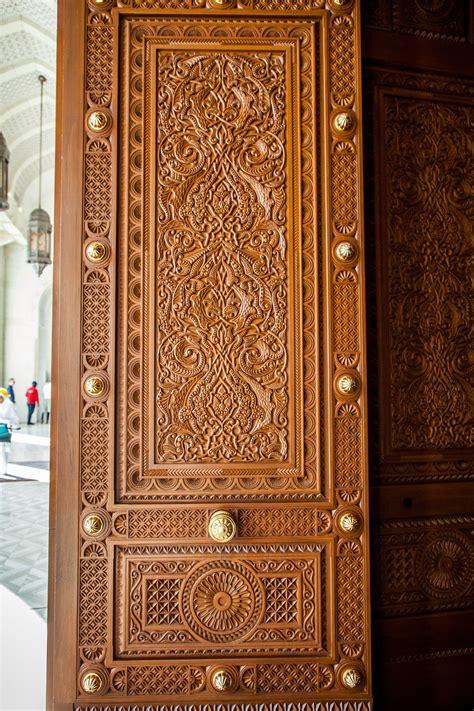 grand mosque muscat oman   door gate design