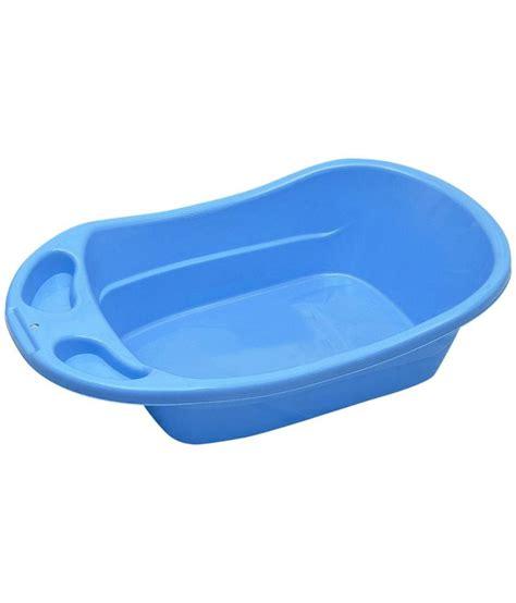 plastic baby bathtub babyoye plastic baby bathtub blue buy babyoye plastic