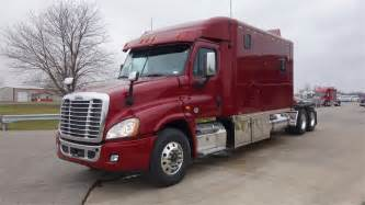 Used Cars And Trucks Columbus Ohio Freightliner Trucks In Columbus Oh For Sale Used Trucks