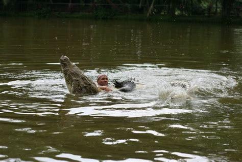 film dokumenter binatang buas foto persahabatan manusia dan binatang buas foto 18 dari