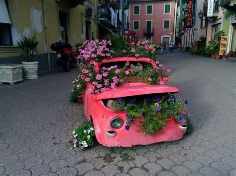 mobili con materiale di riciclo arredare aree e giardini con materiale di riciclo si pu 242