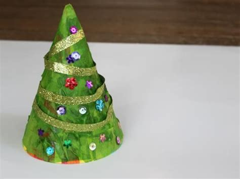 making christmas tree from party hat super cute making