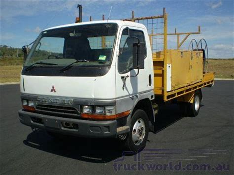 Filter Mitsubishi Fm 215 Fuso Truck Fr 6 D 15 79 82 15440 015 rh right rear l light assembly assy canter fm fuso mitsubishi 214