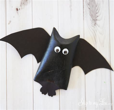 How To Make Bats Out Of Paper - hanging bat favors skip to my lou
