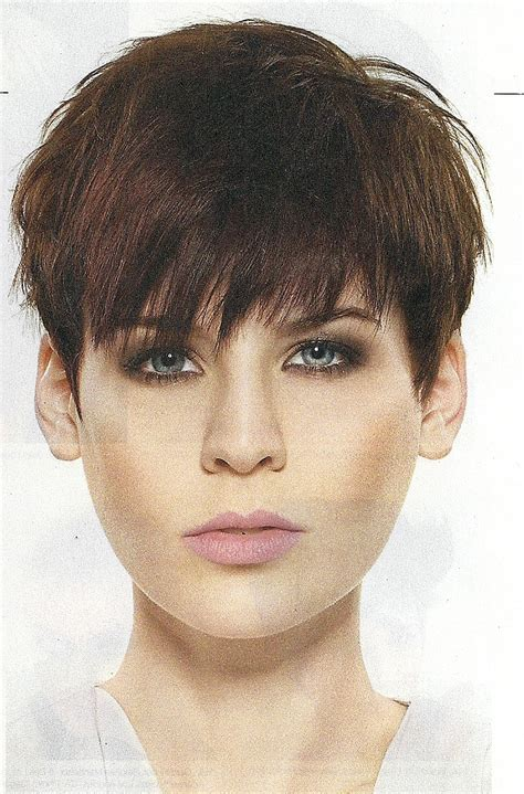 pixie haircuts for short pixie crop hairstyles 2011 3 dark brown hairs