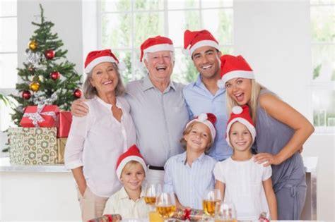 imagenes feliz navidad en familia 191 c 243 mo organizar una velada de navidad feliz en familia