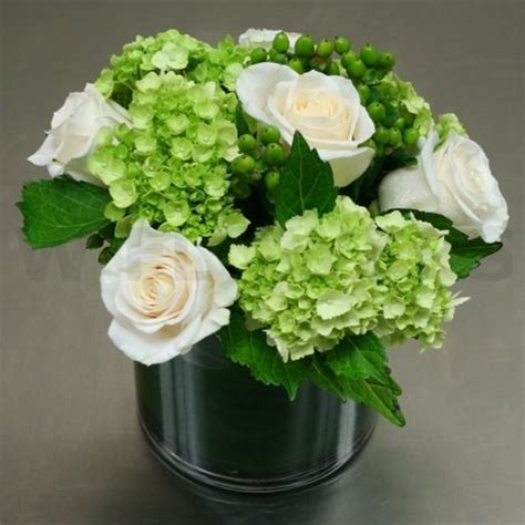 modern centerpiece with roses and hydrangea w flowers ottawa