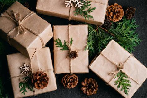 green gift wrap  creative  sustainable ways  wrap