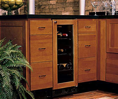 homecrest kitchen cabinets hickory kitchen cabinets homecrest cabinetry