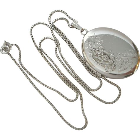 Vintage Silber by Vintage Sterling Silver Locket Pendant Necklace Sold On