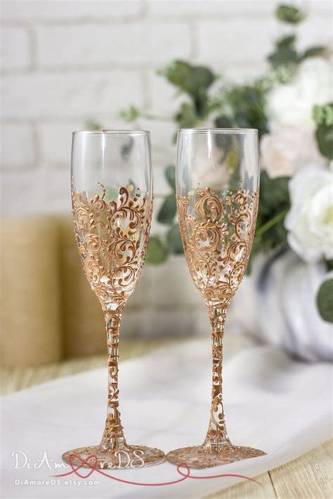 Wedding Gift Wine Glasses by The 25 Best Wedding Chagne Flutes Ideas On