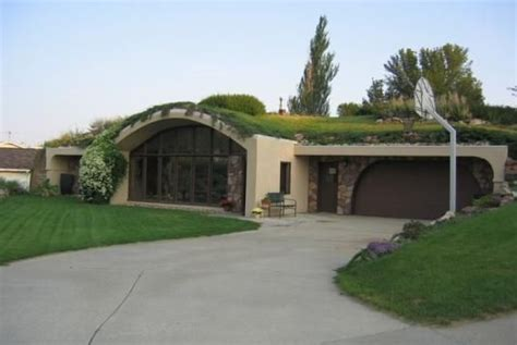 bermed earth sheltered homes 17 best images about earth sheltered home on pinterest the roof caves and underground homes