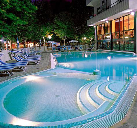 hotel cattolica con piscina interna hotel cattolica con piscina e vasche idromaggio hotel