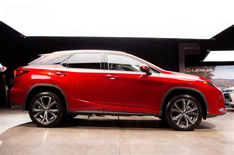 2020 lexus rx hybrid 2020 lexus rx unveiled with new style and crucial tech