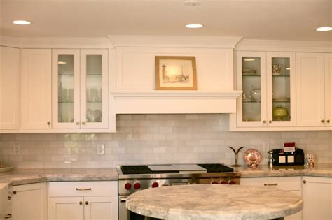 white thassos marble subway tile backsplash design ideas