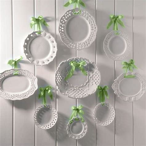 How To Decorate Dinner Plates by Decorating With Plates Using Dinner Plates To Decorate