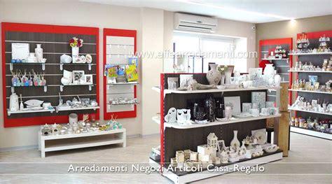 arredamento oggettistica arredamenti per negozi articoli da regalo effe arredamenti