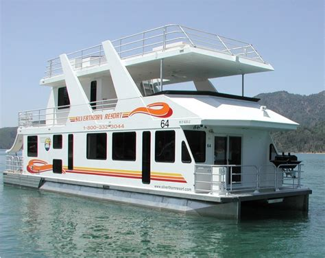 queen on a boat silverthorn resort queen i houseboat the ultimate