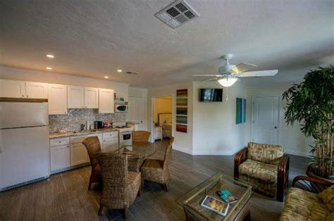 key west 2 bedroom suites 2 bedroom suite key west hotel rooms standard guest rooms