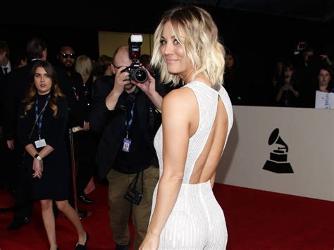 kaley cuoco news popcrush kaley cuoco sparks dating rumours at the grammy awards look