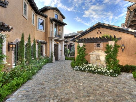 tuscany house 10 mediterranean inspired outdoor spaces diy landscaping landscape design ideas plants