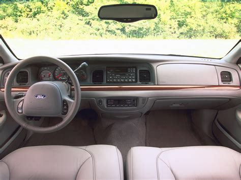 Ford Crown Interior by Ford Crown Interior 2001 1600x1200 20 Of 27