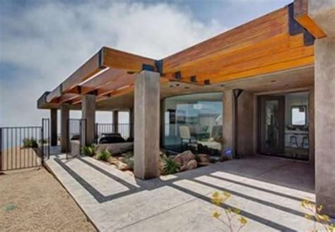 bruce jenner house sneak peek inside caitlyn jenner s malibu mansion pursuitist