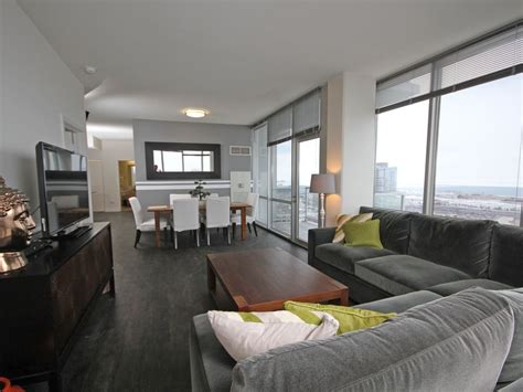 luxury suite with city and skyline views homeaway chicago