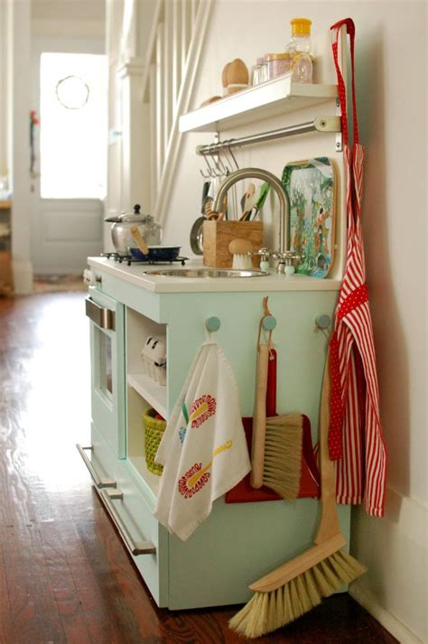 Kitchen Storage Ideas For Pots And Pans by Inspiraci 243 N Cocinitas De Madera Diy Cada D 237 A Es Domingo