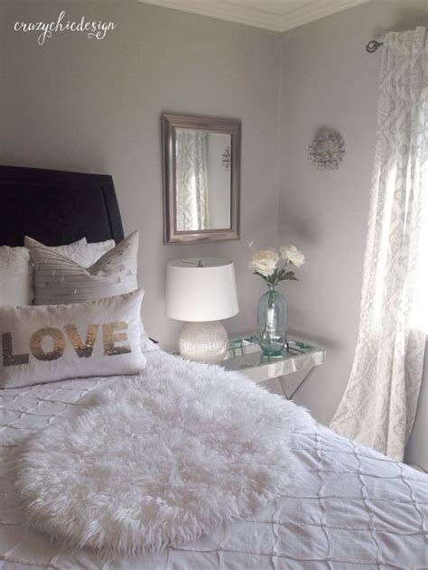 silver and white bedroom 1000 ideas about silver bedroom on pinterest silver