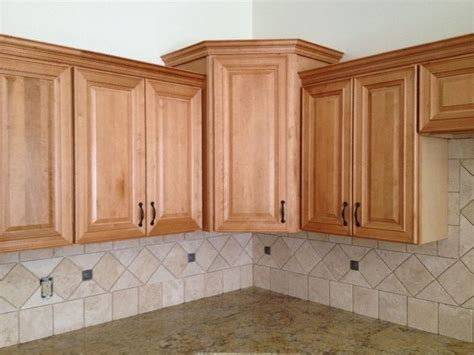 honey kitchen cabinets honey spice maple kitchen cabinets natural honey maple