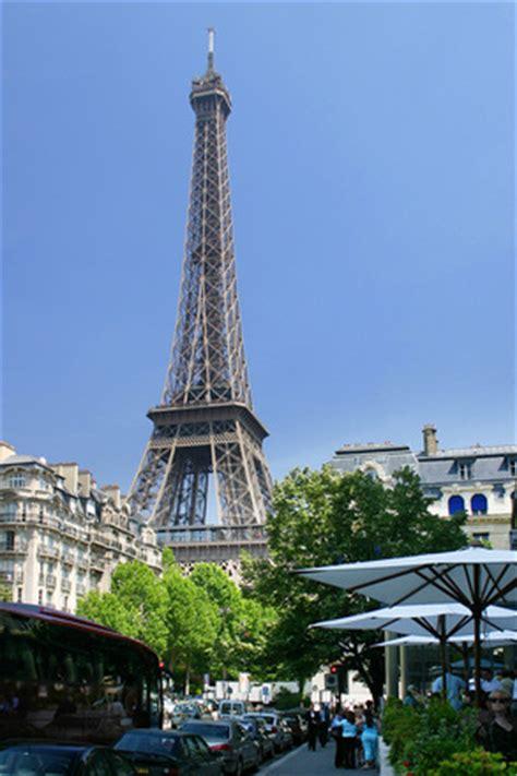 free eiffel tower paris hilton stock photo freeimages.com
