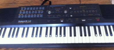 Keyboard Roland E14 roland e 14 attention needed for sale in ballycotton cork