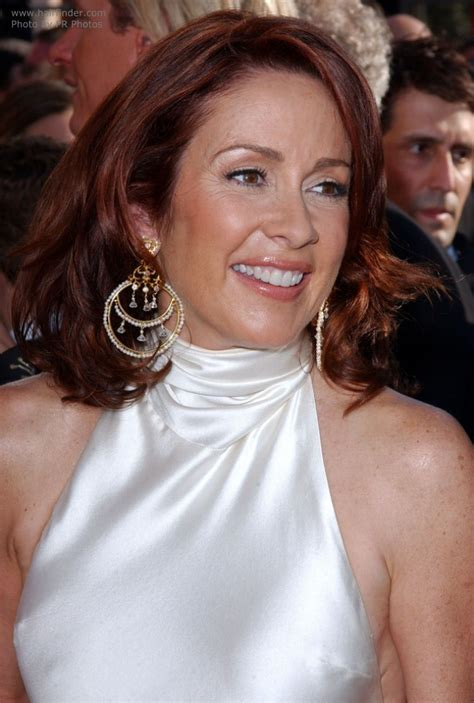 hair styles for 45 year old patricia heaton s over shoulder length mahogany hair with