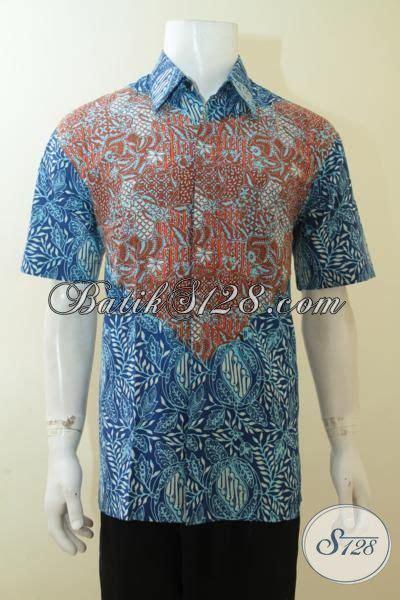 Kemeja Batik Blok Warna Biru Muda kemeja batik dual motif busana batik lelaki muda kombinasi warna biru merah desain gaul proses