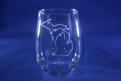 michigan   state outline etched stemless wine glass