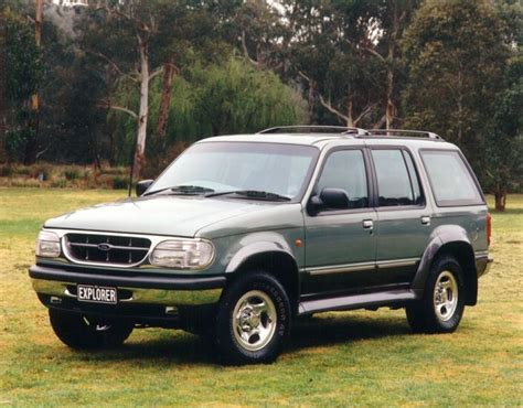 01 Ford Explorer by Review Ford Explorer 1996 01
