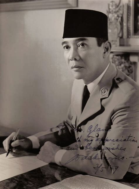 biografi bung hatta dalam bahasa jawa biografi lengkap ir soekarno mugiwara