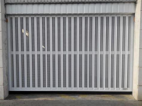 Porte De Garage Basculante 424 by Portes De Garage Basculantes Safir S424 Contact Safir
