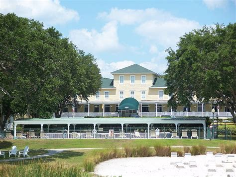 the lakeside inn mount dora mount dora florida is a vibrant town among the hills and