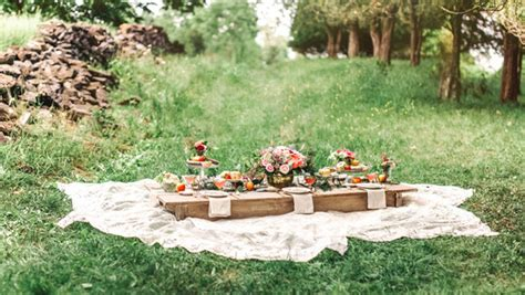 backyard picnic garden picnic for flower girls wedding party fashion 100 layer cake