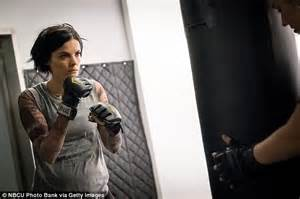 blind spot tattoo process jaimie alexander shows off svelte figure for live with