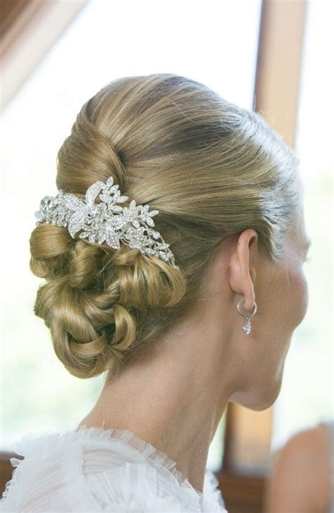 long hair with height in crown long hair with height in crown updo upstyle hair medium