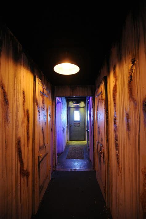 San Diego Haunted House by Raycliff Manor Asylum Halls Www Raycliffmanor