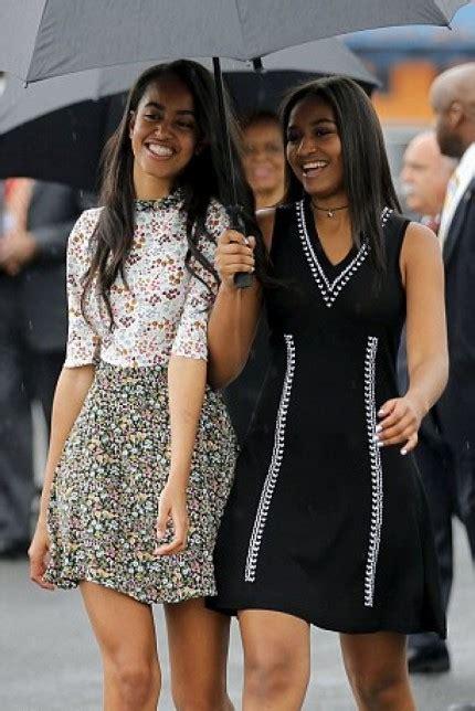 Dress Shasha Hijau bingung gaya kompakan sama saudara intip padu padan seru