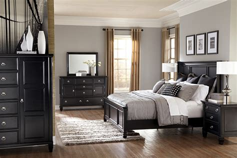 cheap master bedroom sets greensburg cottage style 3 piece master bedroom set