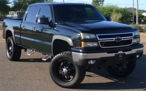purchase   reserve  chevy hd crew shorty